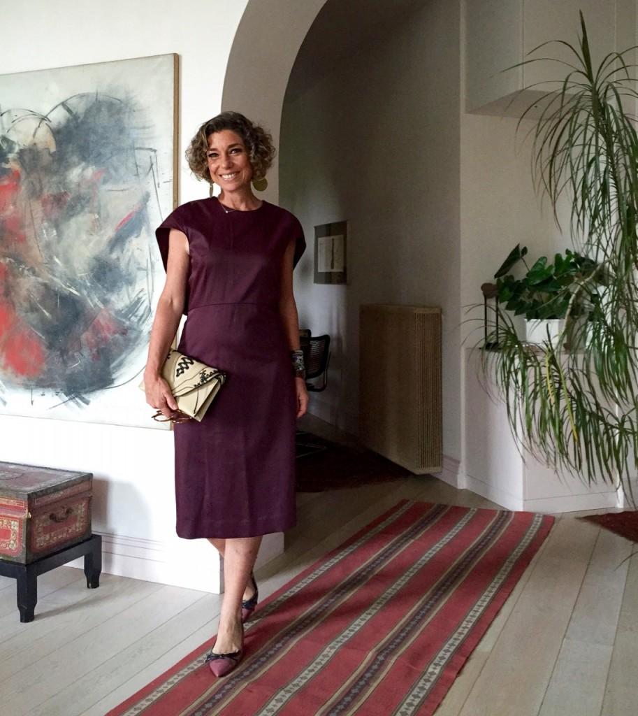 Vestido COS, bolsa Elena Ghisellini e sapato Prada do outlet