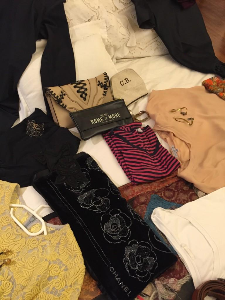 Bolsas para sair de noite, pashmina para a noite e o pijama.