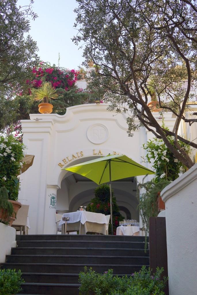 O nosso hotel tem charme e elegância com esse terraço fantástico!