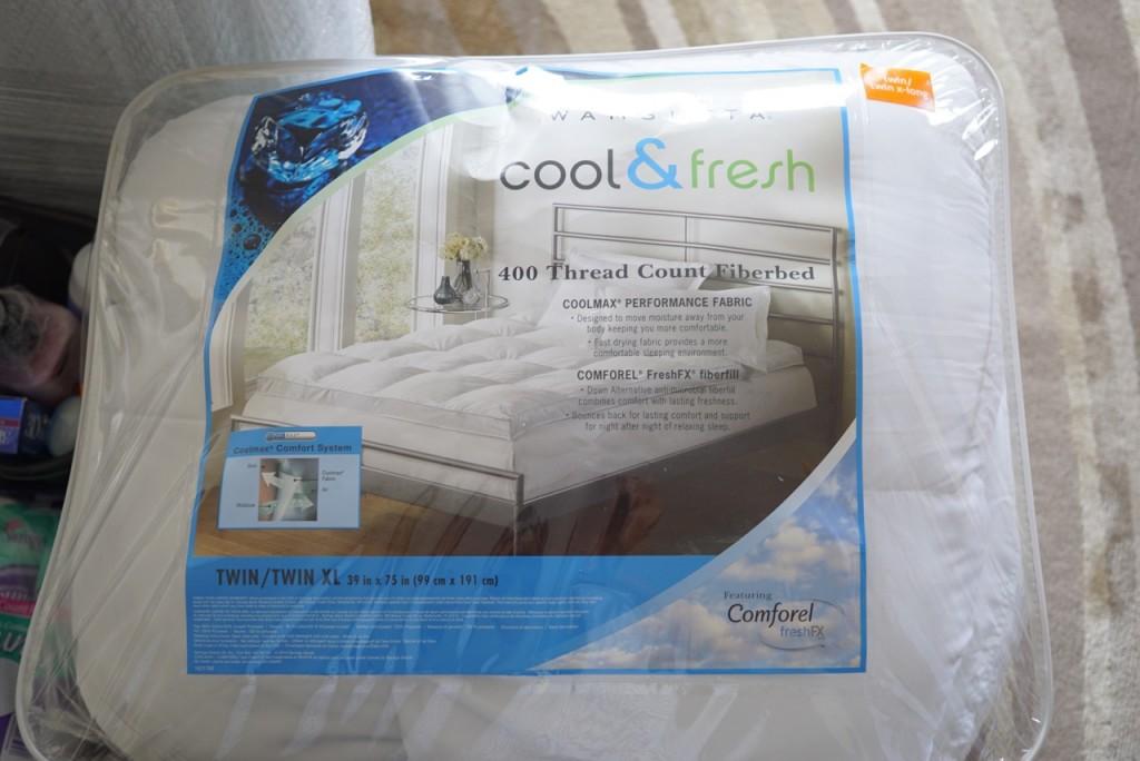 Isto é para cobrir o colchão e fica embaixo do lençol. Dá conforto e fica mais higiênico...