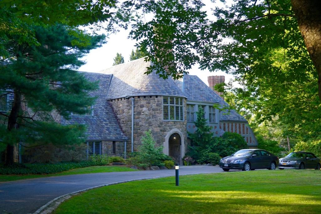 A casa da presidente que todos os anos recebe todos os alunos do primeiro ano para jantar