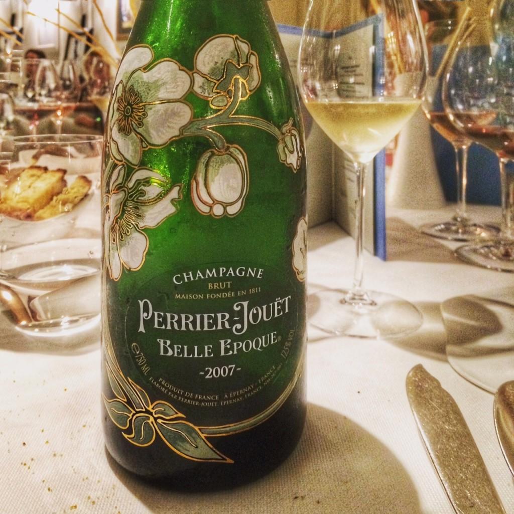 O peixe foi acompanhado por este ótimo champagne.