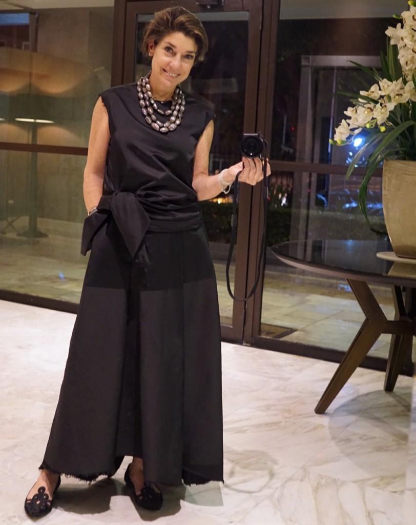 Vestido Apartamento 02 e colar Tania Miura (da lojinha na FAAP), sapato Guilhermina
