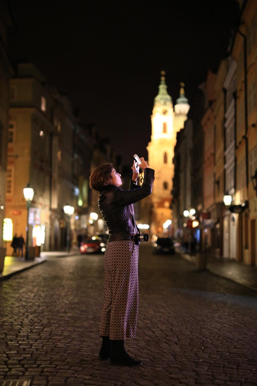 Praga!  Avião, hotel, mala e chegando lá!