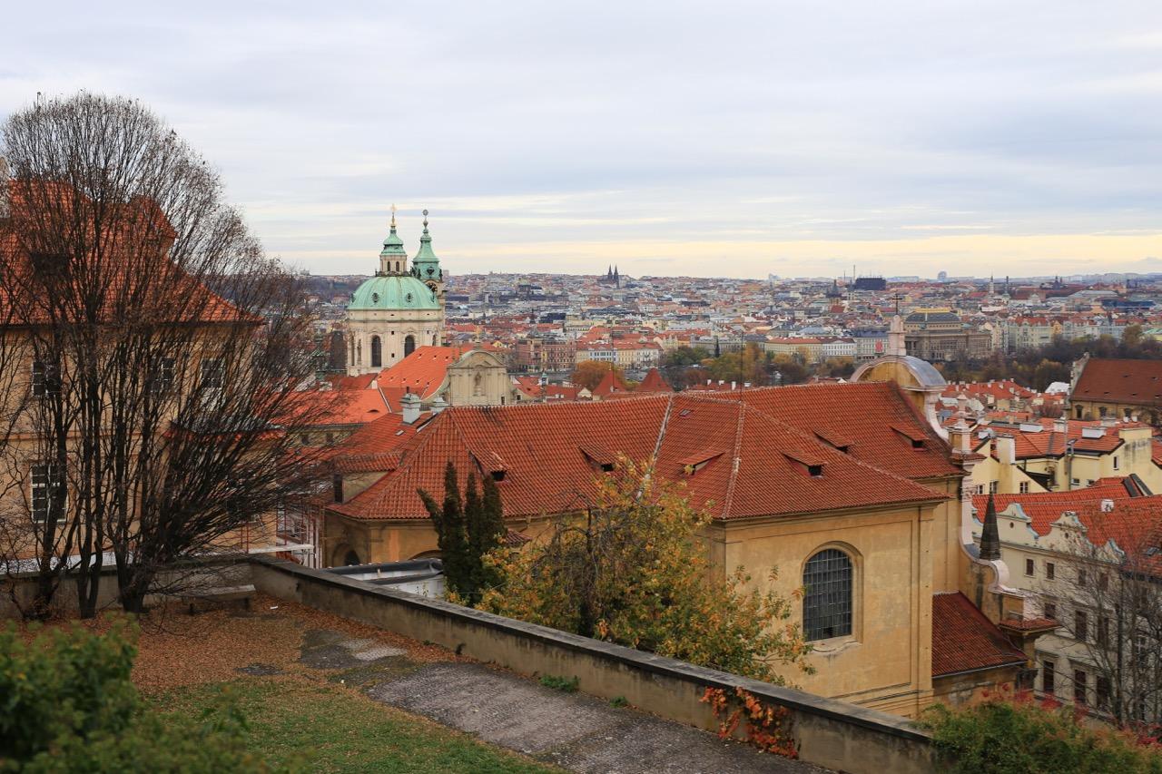 Praga, conhecendo essa maravilha…castelo, biblioteca, shopping e mais cerveja!