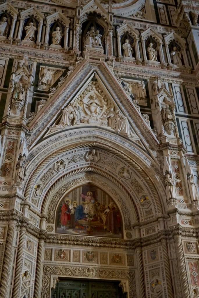 A porta do Duomo