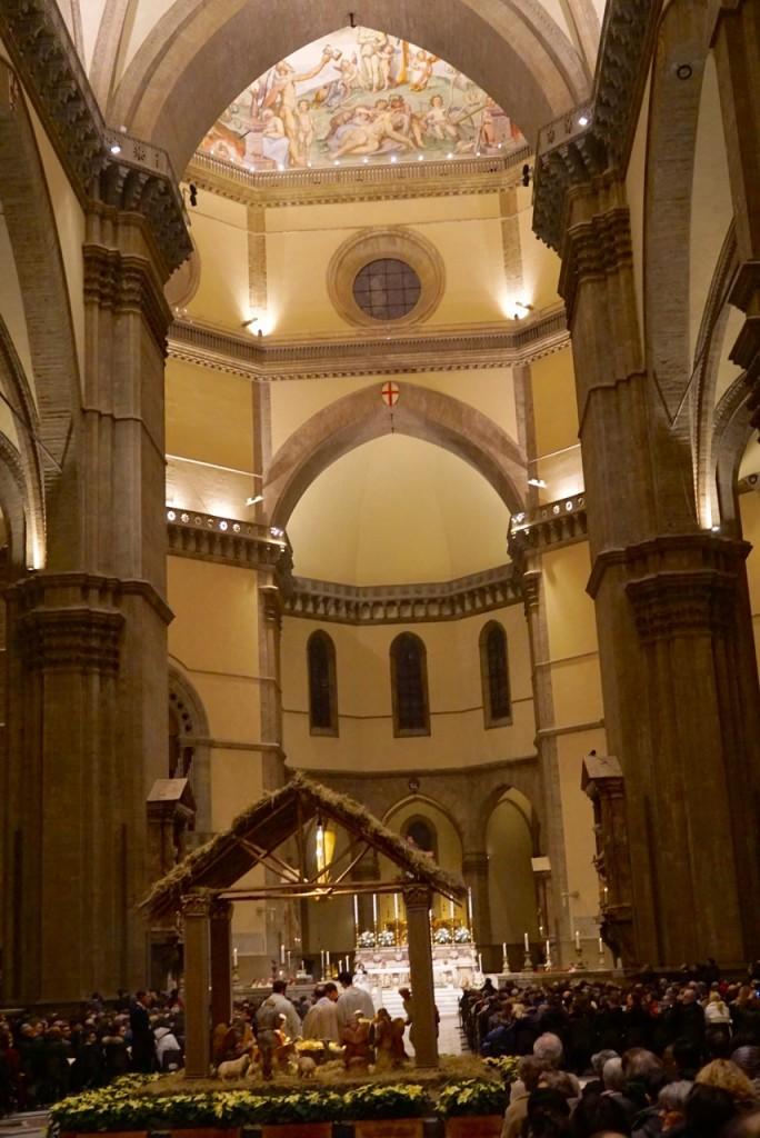 Um pedacinho do afresco na cúpola: Giudizio universale, começado por Giorgio Vasari e a maior parte completada por Federico Zuccari e colaboradores no fim de 1500.