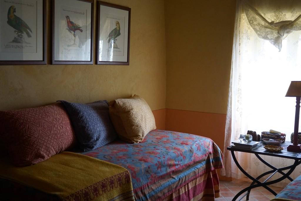 E outro com duas camas