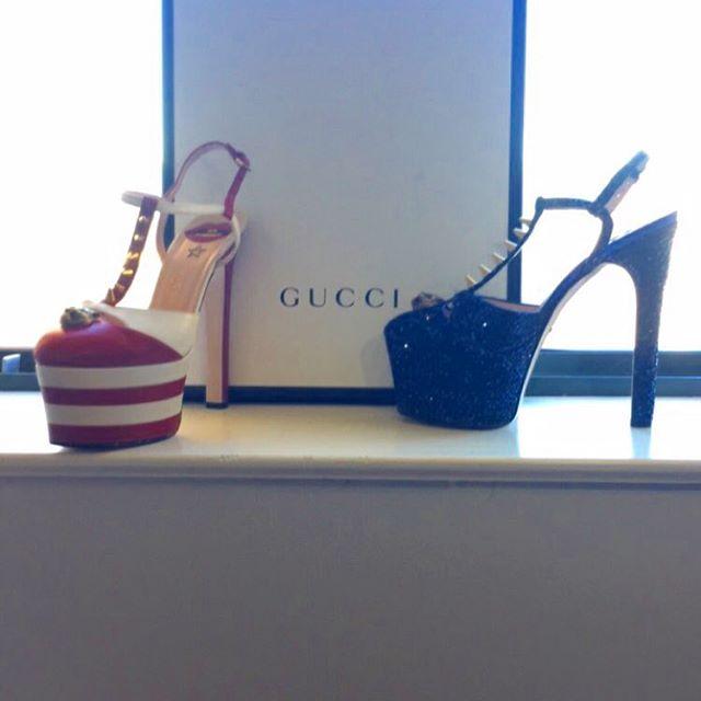 Figurino por Gucci