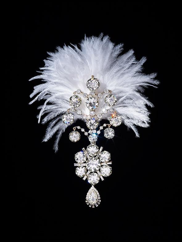 Bejewelled_Treasures_Victoria_and_Albert_Museum_London_Adorn-Jewellery-Blog-6