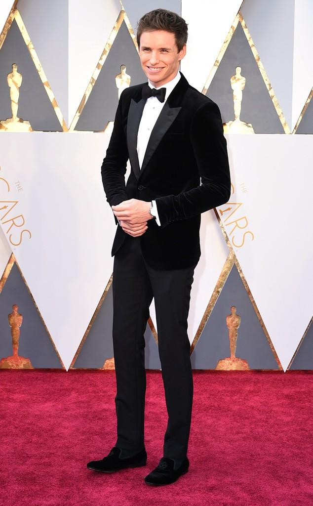 Eddie Redmayne em Alexander McQueen!! CATAPLOFT!!