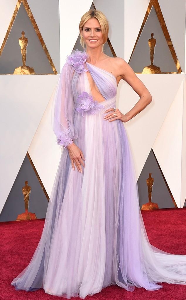 E pelamorrrrrr!!! Heidi Klum!! Como é possível?!!! Vou ter que ser híper sincera, mulher linda que não sabe se vestir!