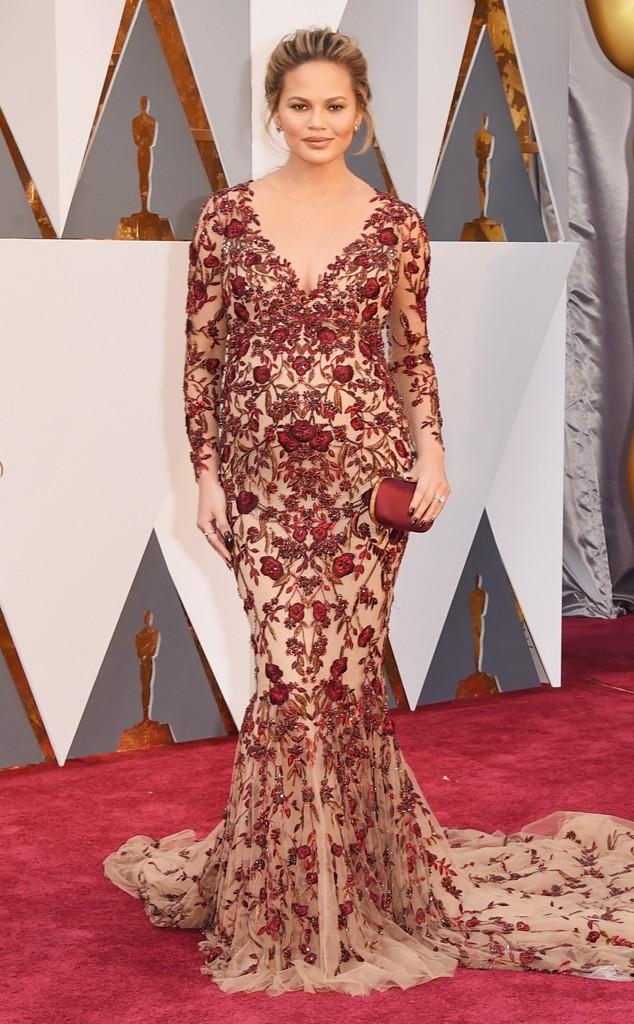 Chrissy Teigen de Marcheesa (que apareceu bem pouco esse ano nos Oscars)