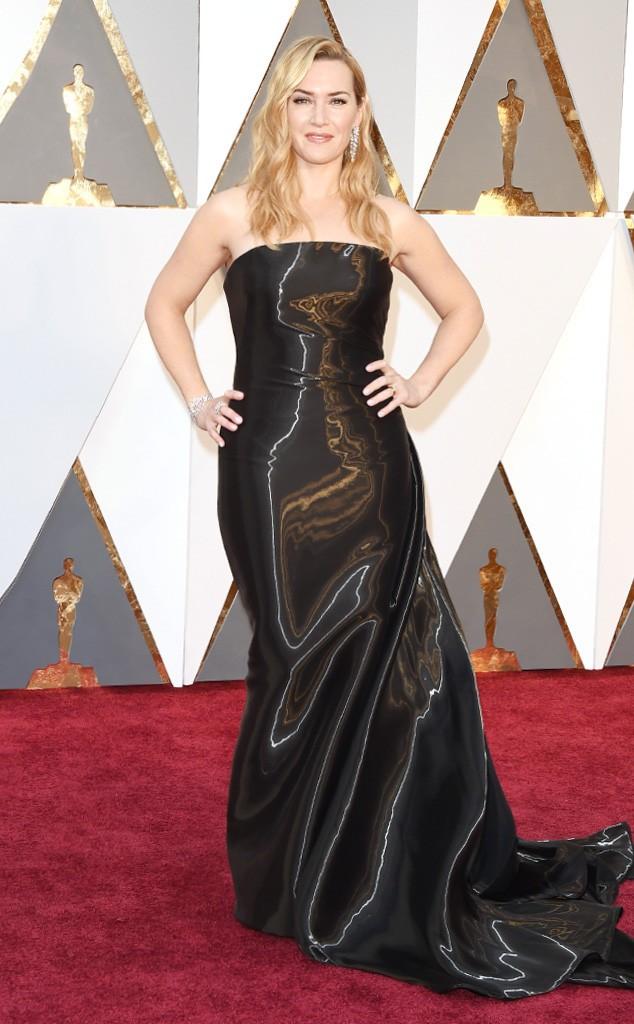 Que tristeza colocar a Kate Winslet nessa categoria também!! Mas esse Ralph Lauren com tecido brilhante não ajudou as suas curvas. O tecido tecnologico e a cauda deve ser lindos ao vivo, mas na foto a forma e esse cabelo ficaram ruins... na minha humilde opinião... Maquiagem, como sempre, perfeita!!