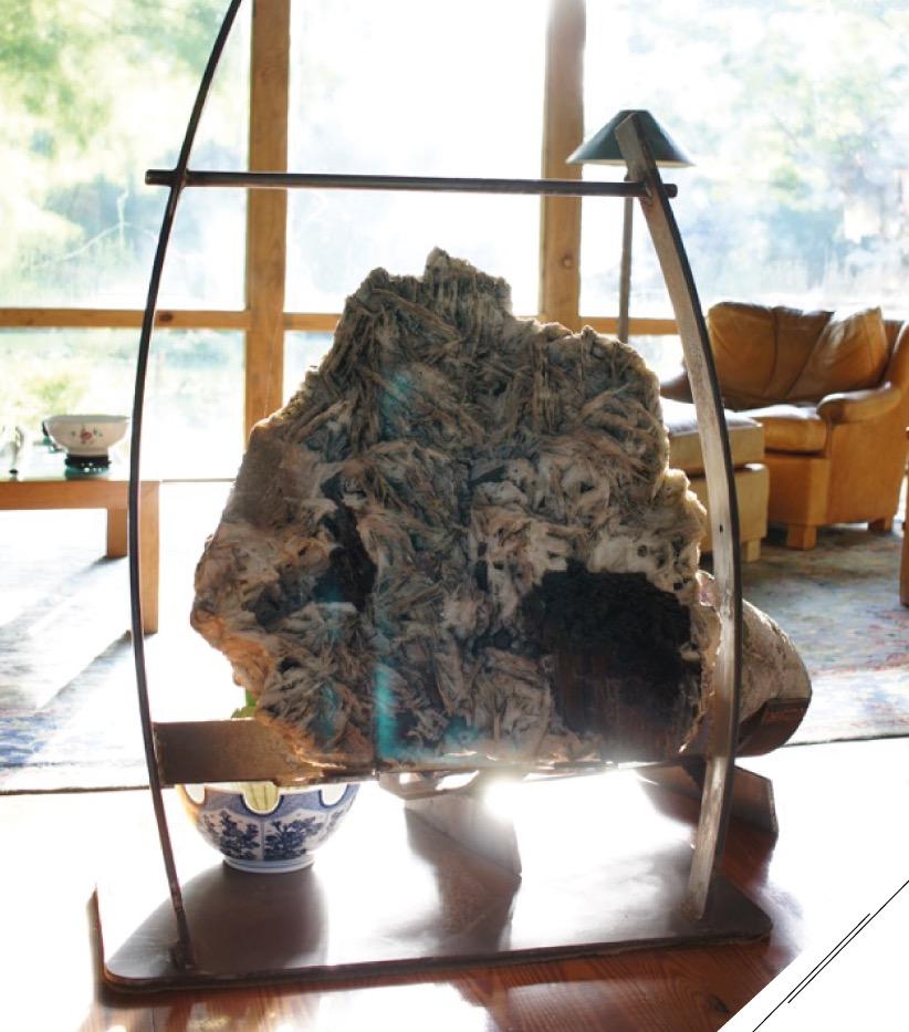 Pedras brasileiras em uma estrutura desenhada exclusivamente para elas pelo paisagista Roberto Cardoso