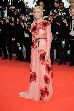 Cannes também dá espaço a um look um pouco mais intelectualizado