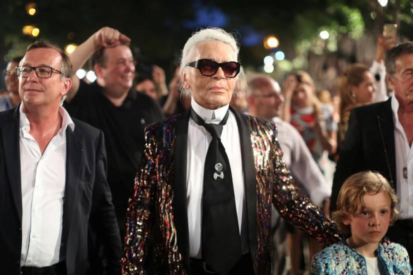 Até o Karl sofreu com a humidade! Vejam o friz no cabelo!!