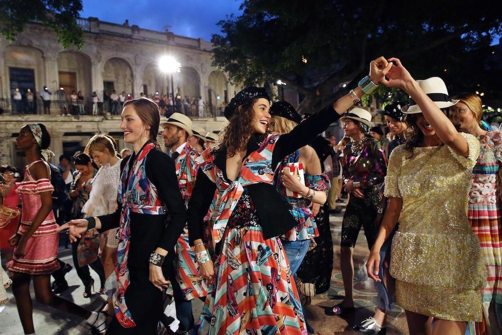 La sfilata di Chanel al Paseo del Prado all'Avana, Cuba, 3 maggio 2016 (EPA/ALEJANDRO ERNESTO)