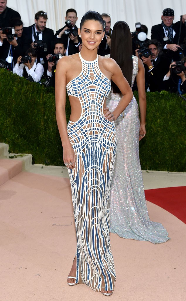rs_634x1024-160502164633-634-Kendall-Jenner-MET-GALA-Arrivals-J1R-050216