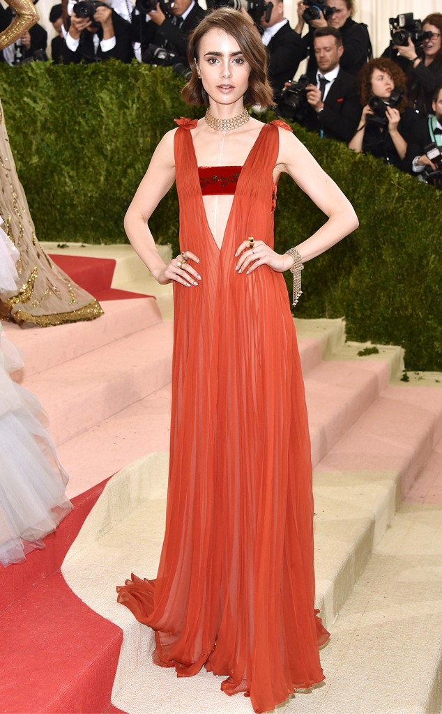 rs_634x1024-160502202516-634-MET-GALA-Arrivals-Lily-Collins.ms.50216