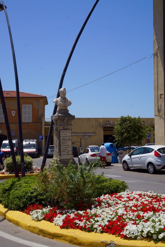 A praça onde fica a pizzaria