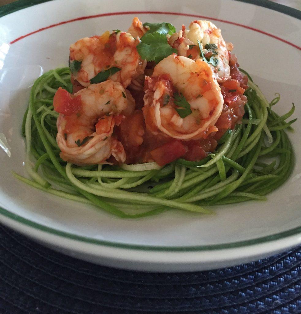 Espaguete de abobrinha com camarões