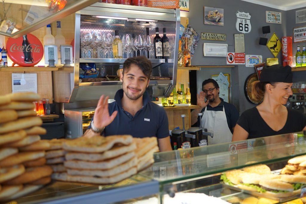 A rotina de manhã exige a passada na pizzaria Il Faro
