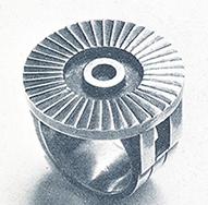 A revolução industrial do fim do século XIX influencia jóias.