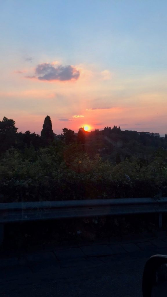 O pôr do sol indo ao evento...