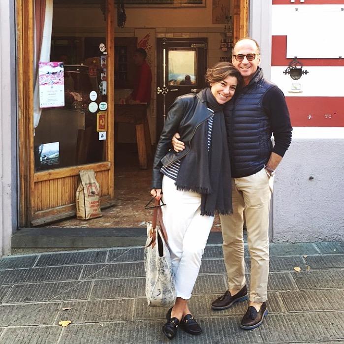 Roberto e eu na frente do açougueiro Cecchini