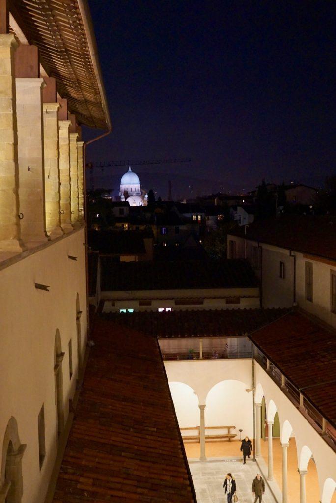 Tem vista à sinagoga de Florença e...