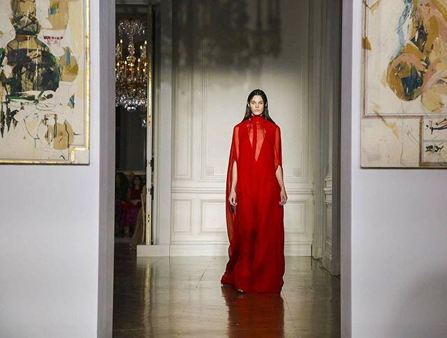 Valentino Haute Couture muda completamente de cara!