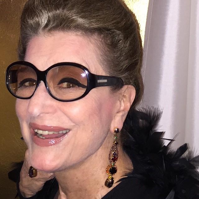 Às vezes é difícil entender como melhor usar óculos... c30aed4dd5